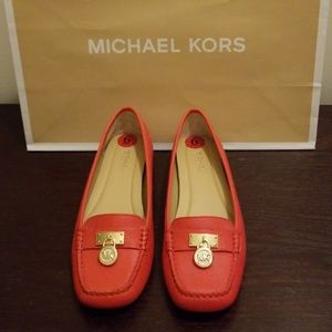 FLASH SALE: Michael Kors Leather Flats